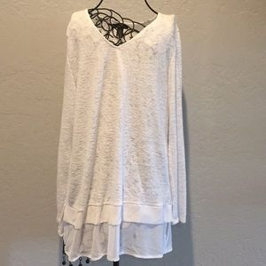 Women's top white medium long sleeve Alfaro